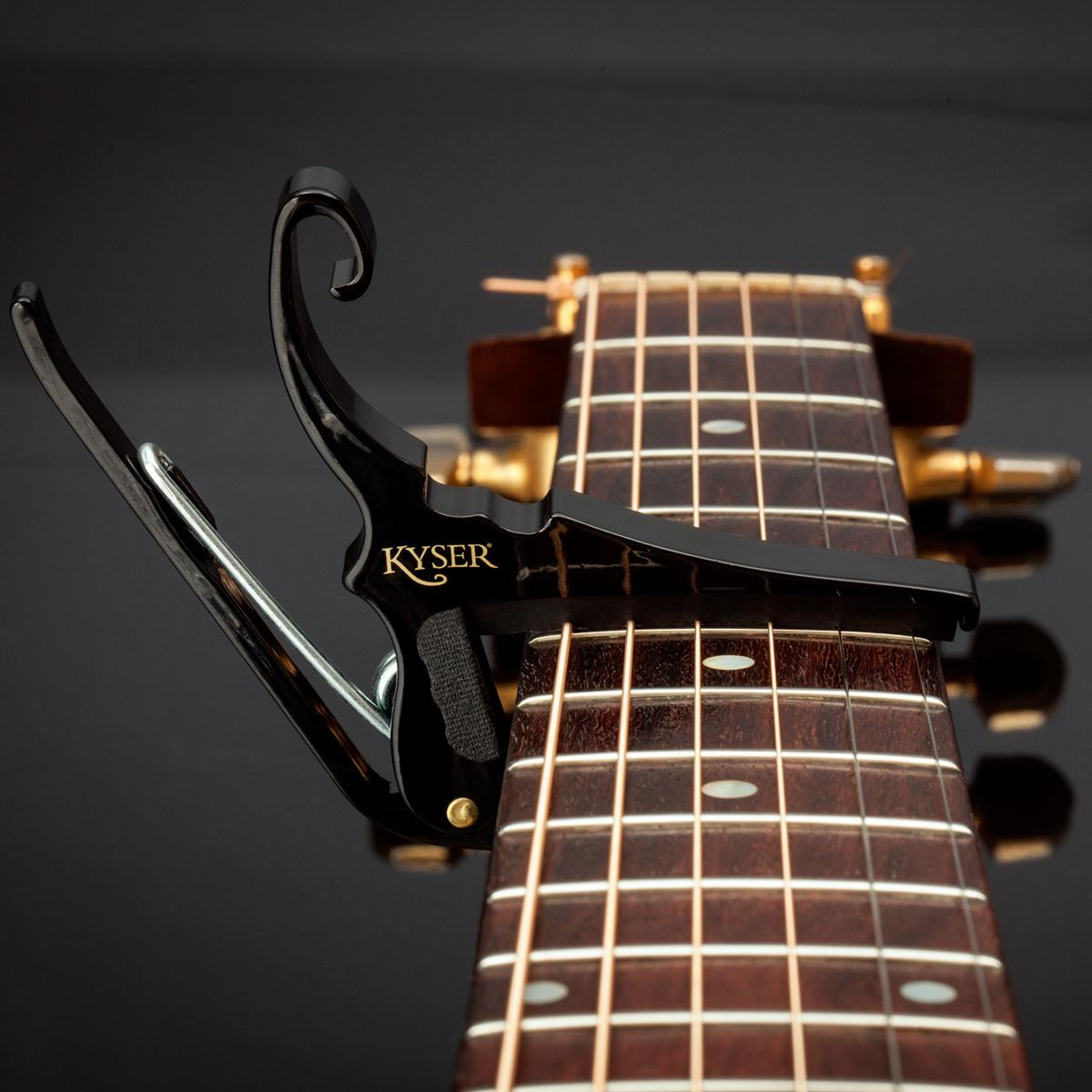 KYSER KGEB Capo Quick-change Black - Electric guitar