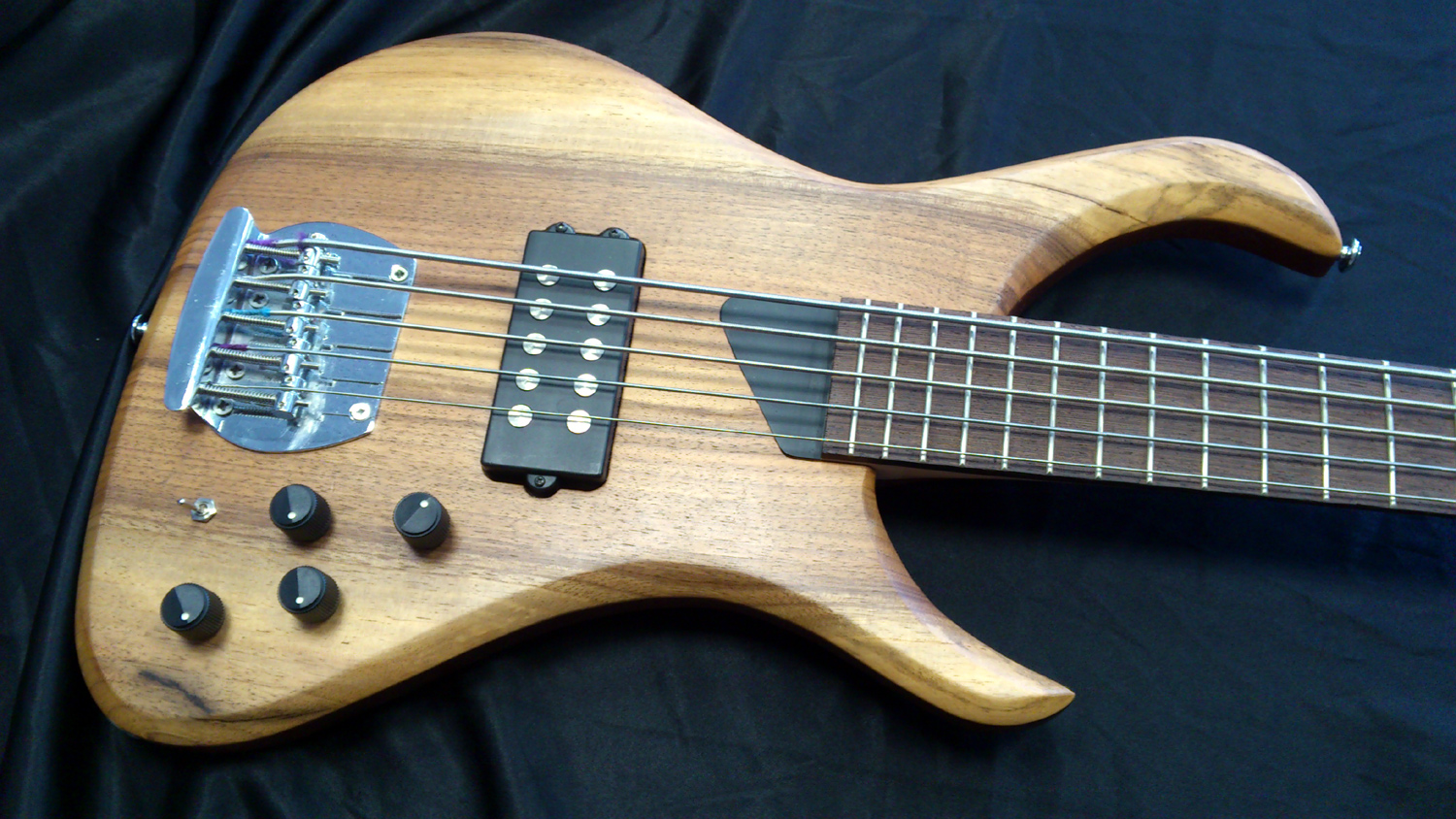 KING 5 string Bass (pasive/active)
