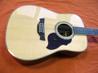 CRAFTER D-8-12 N