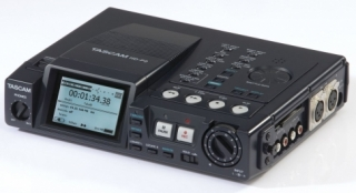 TASCAM HD-P2, Portable High definition recorder včetně obalu CS-P2