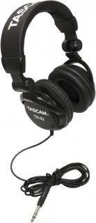 TASCAM TH-02 black